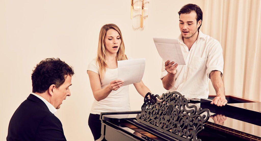 Лечение певческого голоса